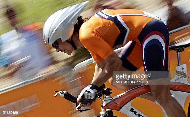 Dutch Leontien Zijlaardvan Moorsel rides during the women's individual time trial competition at the 2004 Olympic Games 18 August 2004 in Vouliagmeni...