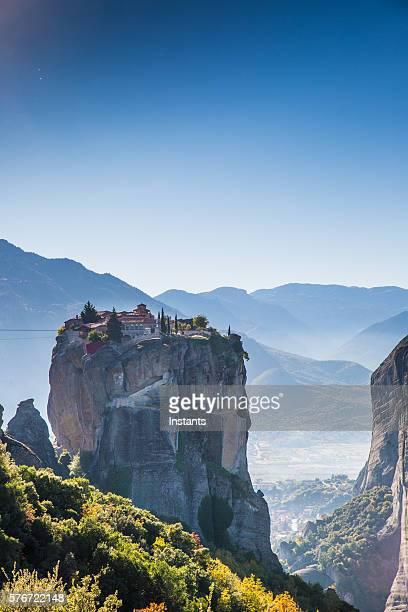 grèce kalambaka monastères - haut lieu touristique international photos et images de collection