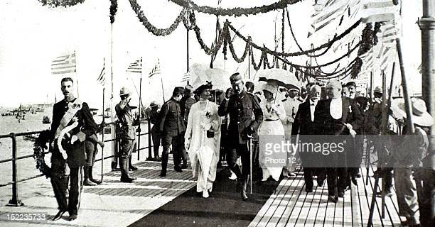 Greece King Constantine's triumphal return to Athens, The king, queen and royal family at the Phalere landing stage.