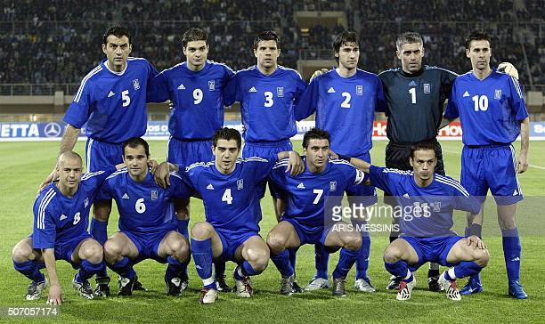Greece national soccer team poses 31 March 2004 in Heraclion Crete before a friendly match against Switzerland ahead of the Euro 2004 AFP PHOTO /...