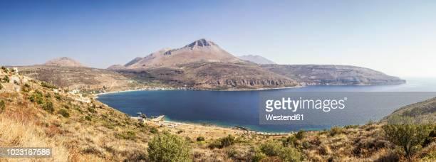 greece, peloponnese, mani peninsula, neo itilo, limeni bay - peninsula de grecia fotografías e imágenes de stock
