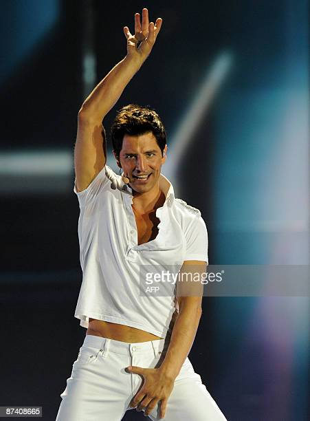 Greece 's entry into the Eurovision 2009 song contest Sakis Rouvas performs during the final dress rehearsal in Moscow on May 16 2009 AFP PHOTO /...