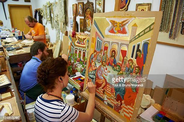 greece, thessaly, meteora, icon painter - 偶像 ストックフォトと画像