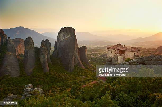 greece, thessaly, meteora, roussanou monastery - monastery stock pictures, royalty-free photos & images