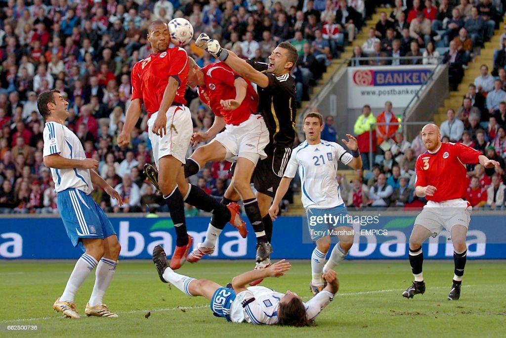 Soccer - UEFA European Championship 2008 Qualifying - Group C - Norway v Greece - Ulleval Stadium : News Photo
