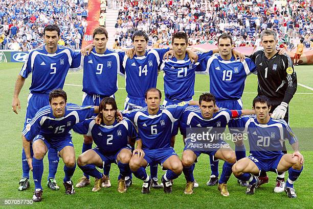 Greece's national football team players pose 01 July 2004 at Dragao stadium in Porto before the beginning of the Euro 2004 semifinal football match...