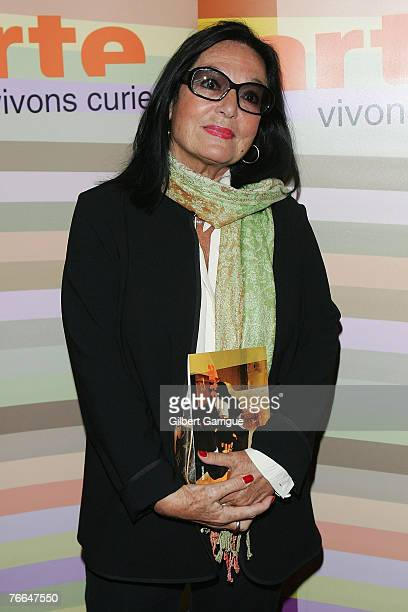Greece's singer Nana Mouskouri poses as she attends the premiere for Monsieur Max on September 10 2007 in Paris France