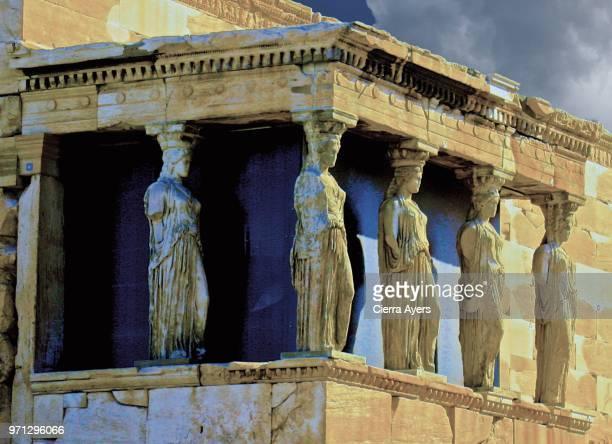 greek architecture close-up detail of the goddess athena columns - diosa atenea fotografías e imágenes de stock
