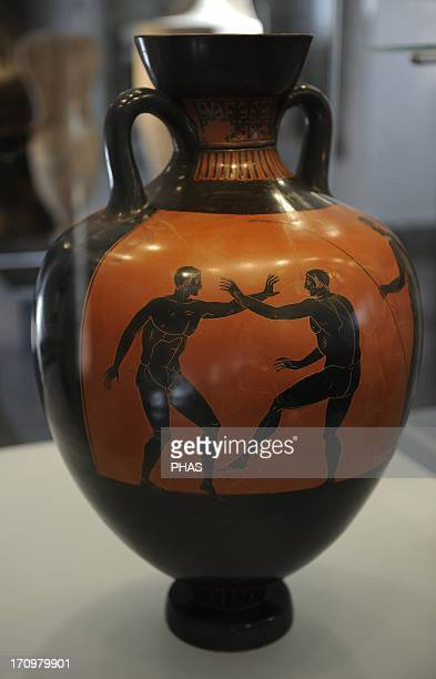 Greek Art Panathenaic amphore Wessel painting Wrestlers The large container was once filled with olive oil and given as a prize at the Panathenian...