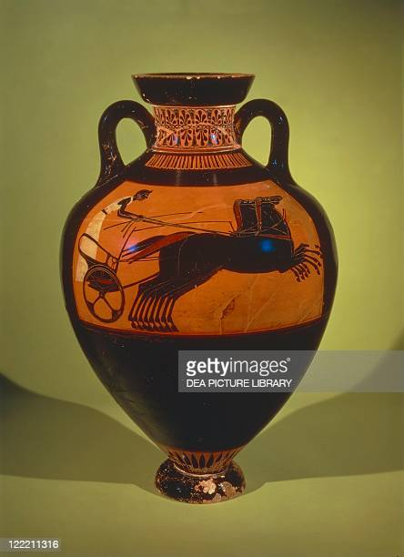 Greek civilization 4th5th century bC Blackfigure pottery Panathenaic amphora depicting a racing chariot