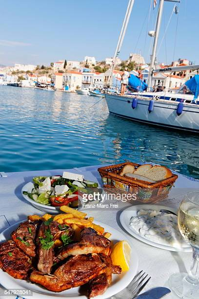 Greek food in the harbour, Restaurant