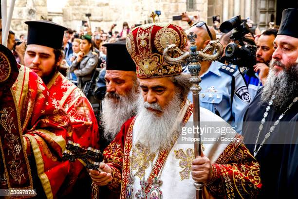 greek orthodox easter thursday celebration outside the holy sepulcher in jerusalem, israel. - greek easter stock pictures, royalty-free photos & images