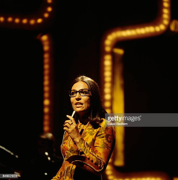 Photo of Nana MOUSKOURI Nana Mouskouri performing on stage