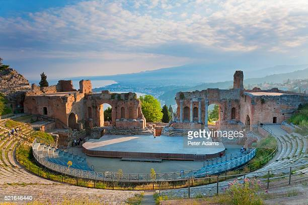 greek theater at taormina in sicily - taormina stock pictures, royalty-free photos & images