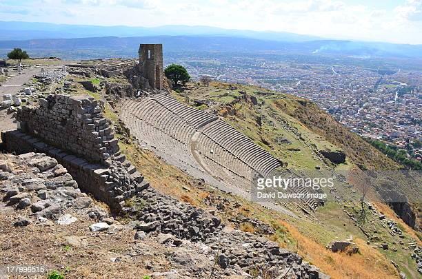 greek theatre ruins at pergamum turkey d7k_9322 - bergama stock pictures, royalty-free photos & images