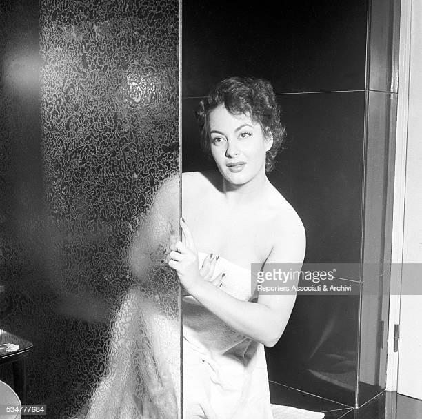 Greekborn Italian actress Yvonne Sanson in the bathroom of her villa on the Appian Way in Rome Rome 1955