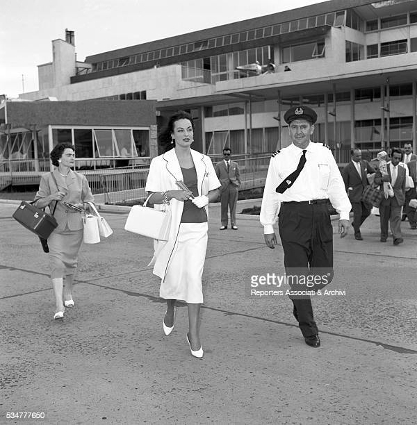 Greekborn Italian actress Yvonne Sanson leaving for Greece from Ciampino airport Rome 1957