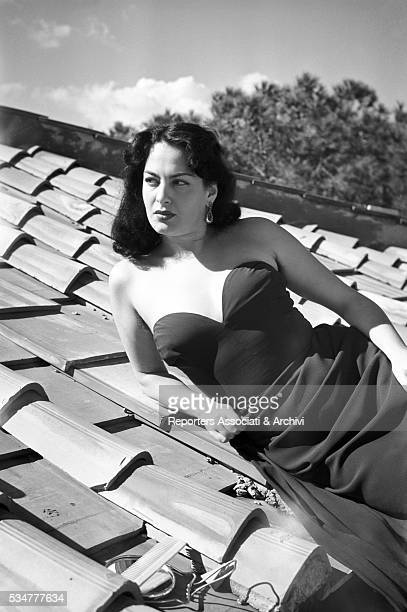 Greekborn Italian actress Yvonne Sanson posing on the roof of her house 1951