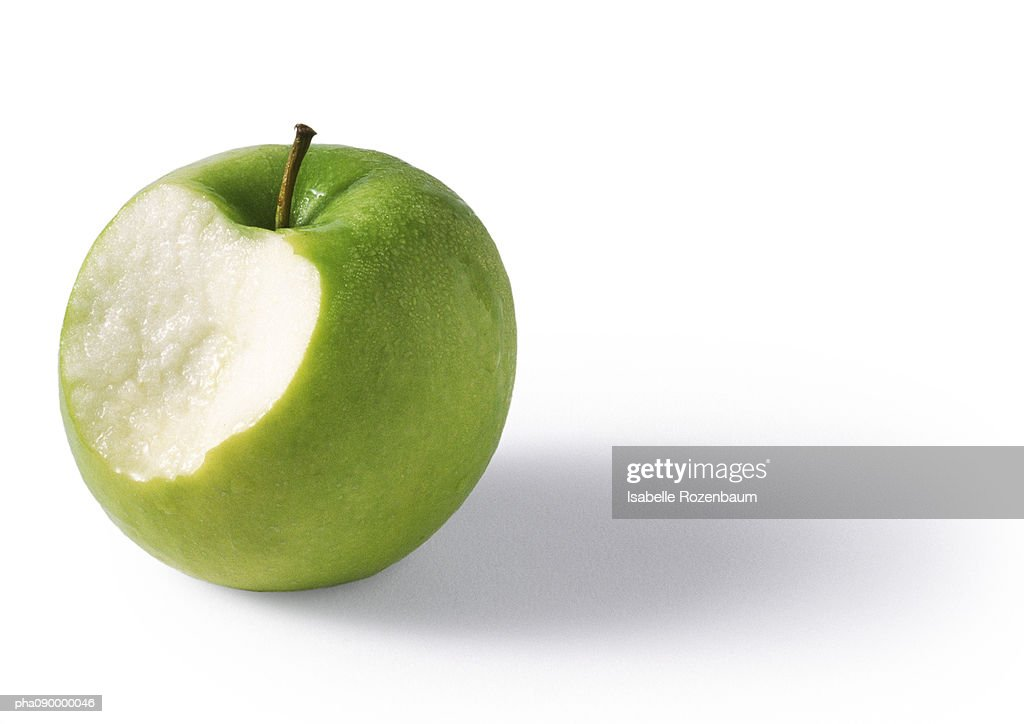 Green apple bitten, granny-smith, white background : Stockfoto