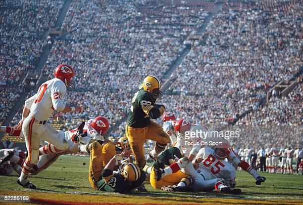 Green Bay Packers' Elijah Pitts runs with the ball during Super Bowl I against the Kansas City Chiefs at Memorial Coliseum on January 15 1967 in Los...