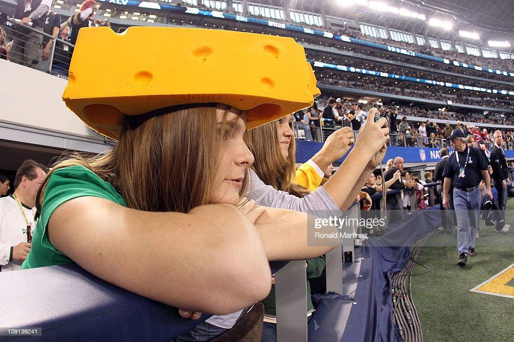 Super Bowl XLV : News Photo