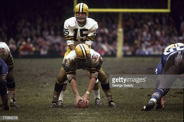 Green Bay Packers Hall of Fame quarterback Bart Starr barks signals during a 2817 victory over the Detroit Lions on October 12 at Tiger Stadium in...