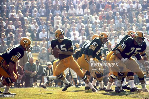 Green Bay Packers Hall of Fame quarterback Bart Starr drops back to pass during Super Bowl I a 3510 victory over the Kansas City Chiefs on January 15...