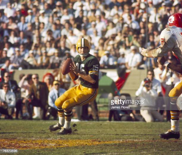 Green Bay Packers Hall of Fame quarterback Bart Starr settles in the pocket during Super Bowl I a 3510 victory over the Kansas City Chiefs on January...