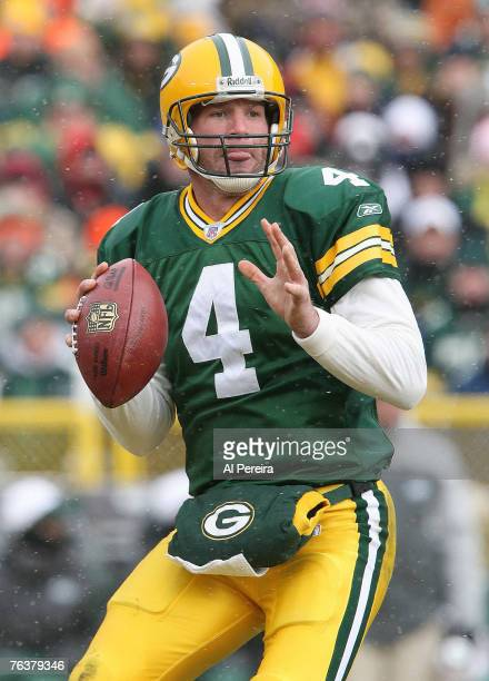 Green Bay Packers QB Brett Favre during the New York Jets' 3810 win over the Green Bay Packers at Lambeau Field in Green Bay Wisconsin on December 3...