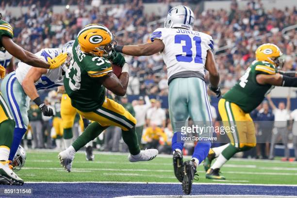 Green Bay Packers running back Aaron Jones rushes for a touchdown during the football game between the Green Bay Packers and Dallas Cowboys on...