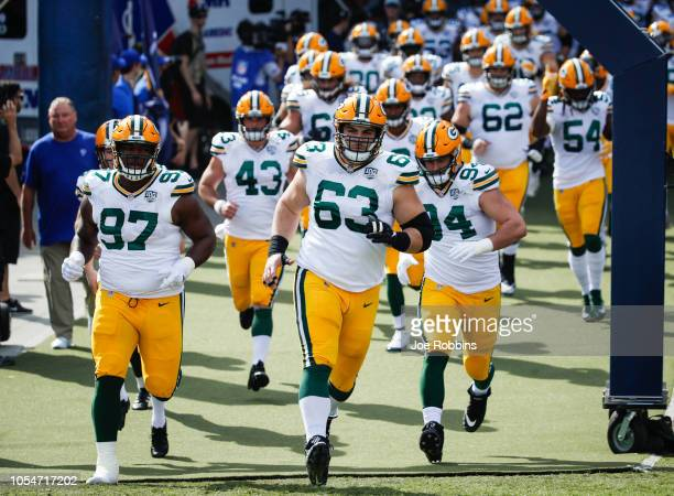 Green Bay Packers take the field at Los Angeles Memorial Coliseum on October 28, 2018 in Los Angeles, California.