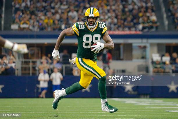 Green Bay Packers tight end Marcedes Lewis runs with the ball during the game between the Green Bay Packers and Dallas Cowboys on October 6 2019 at...