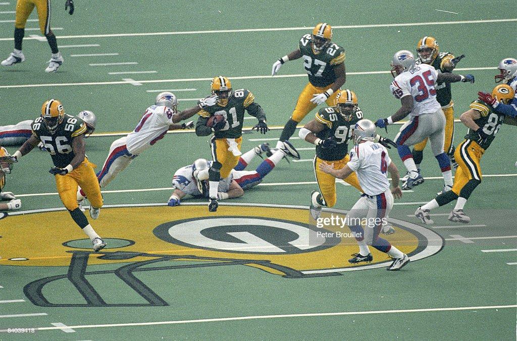 Super Bowl XXXI - New England Patriots vs Green Bay Packers - January 26, 1997 : ニュース写真