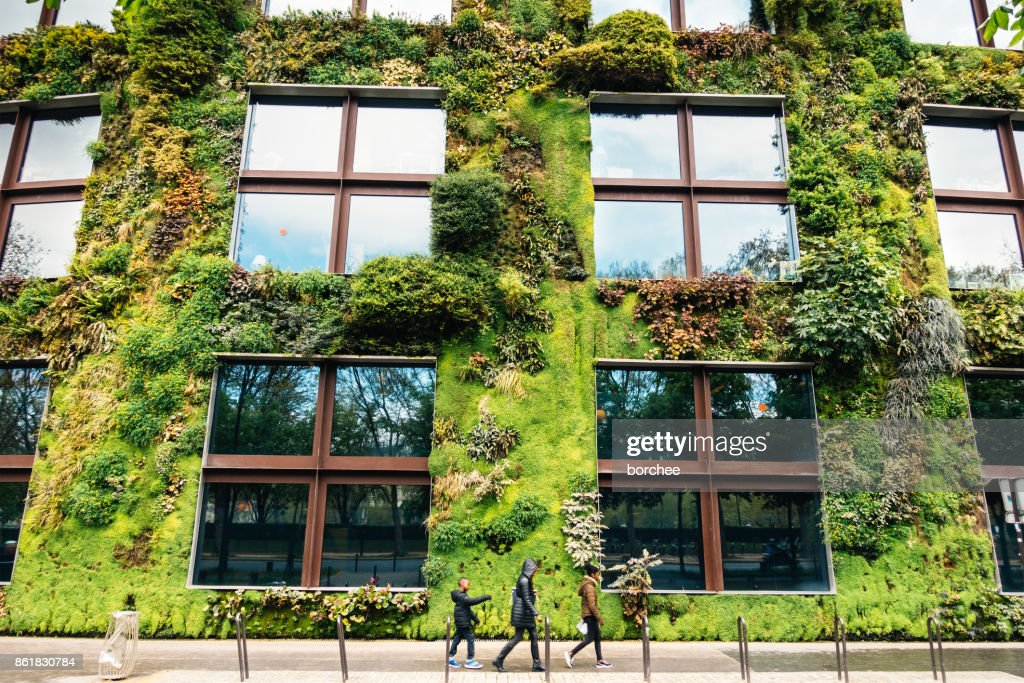 Green Building In Parijs : Stockfoto