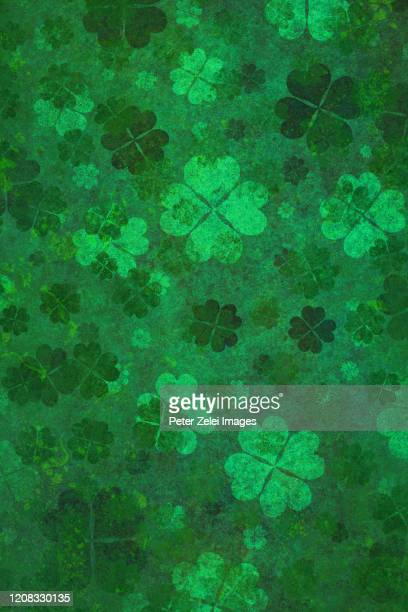green clover background - st patricks background stock pictures, royalty-free photos & images