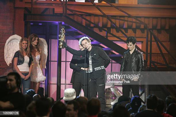 Green Day accepts award for Best Song in a Game for American Idiot on Madden NFL 2005