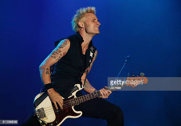 Green Day performs on stage during the third day of The Carling Weekend Reading Festival on August 29 2004 in Reading England The festival takes...