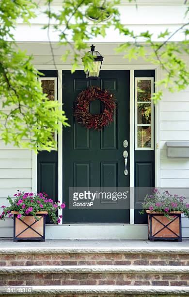 green door - facade stock pictures, royalty-free photos & images
