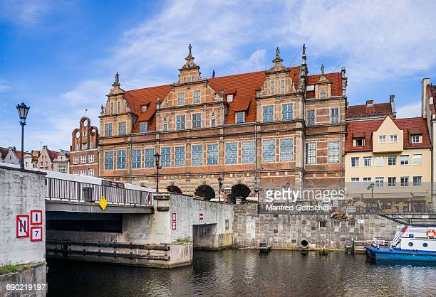 green gate gdansk (danzig) - motlawa river stock pictures, royalty-free photos & images