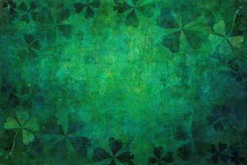 Green grunge shamrock background 916396502