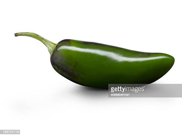 grüne jalapeno-pfeffer - jalapeno stock-fotos und bilder