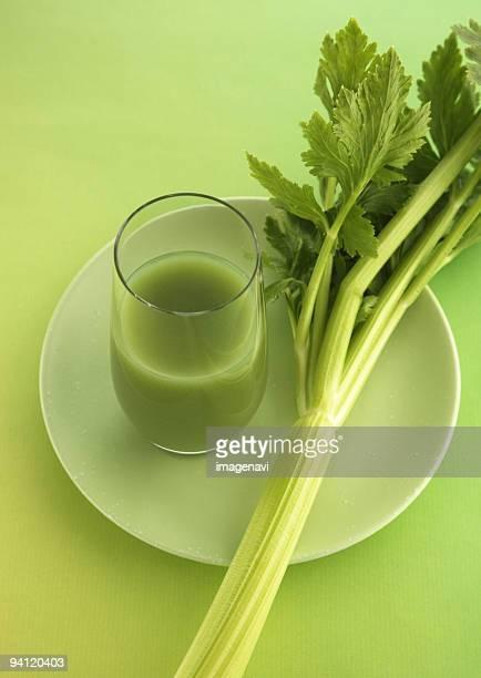 green juice - apio fotografías e imágenes de stock