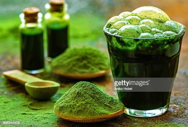 green juice - green algae ストックフォトと画像