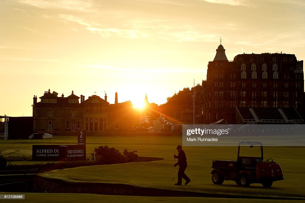 Green keeping staff prepair the Old Course as dawn breaks in St Andrews ahead of the Alfred Dunhill Links Championship at The Old Course on October 3, 2016 in St Andrews, Scotland.