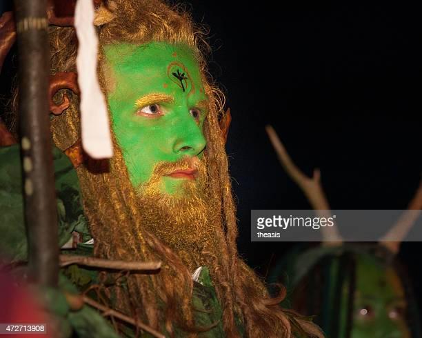 green mann im beltane fire festival, edinburgh - theasis stock-fotos und bilder