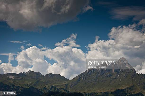 green mountains - adriano ficarelli stock pictures, royalty-free photos & images