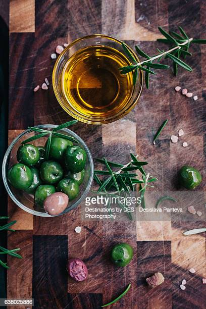 Green olives and extra virgin olive oil