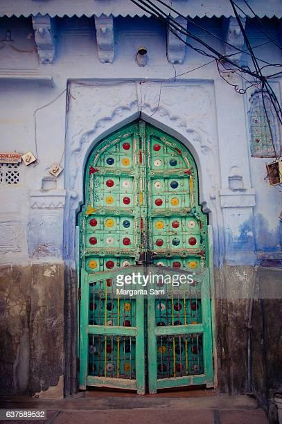 green ornamental door in jodhpur india - sarri stock pictures, royalty-free photos & images