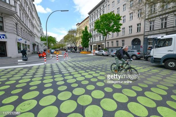 Green points, traffic reassurance, Bergmannstrasse, cross mountain, Berlin, Germany, Grune Punkte, Verkehrsberuhigung, Bergmannstrasse, Kreuzberg,...