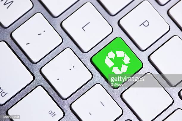 Green recycling  button